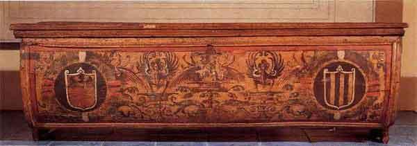 Cassone in Pioppo Dipinto con stemmi e motivi a grottesche. ( Milano, Musei castello Sforzesco)