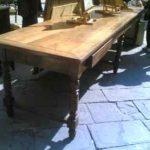 Tavolo con gambe a Rocchetto