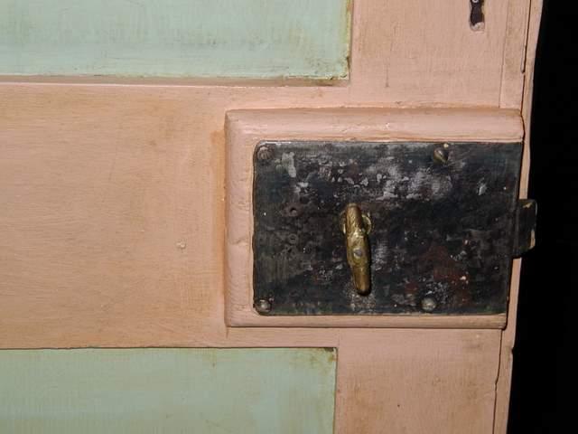 porta antica laccata