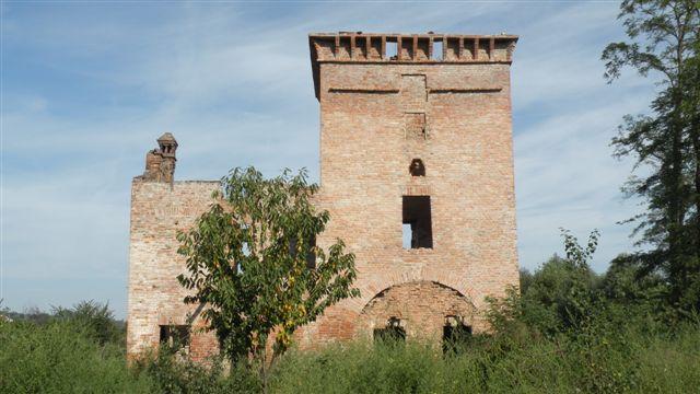 Cascina con torre daziaria di Cassine (AL)