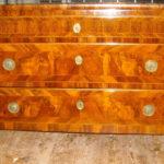 Restauro di un cassettone neoclassico