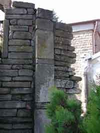 Fig. 15. Ruderi di Visone - particolare di una lesena absidale
