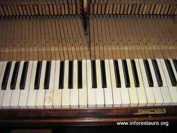 piano_2010_03b