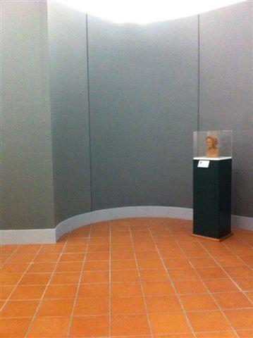 Gipsoteca Monteverdi: sala n. 1pannellatura curvilinea