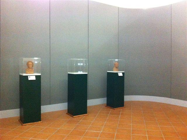 Gipsoteca Monteverdi: sala n. 1 particolare delle 3 teche