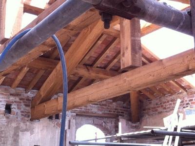 Torre di Frugarolo particolare copertura durante il restauro